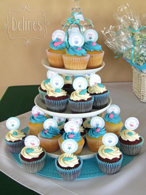 en el mar torre de cupcakes