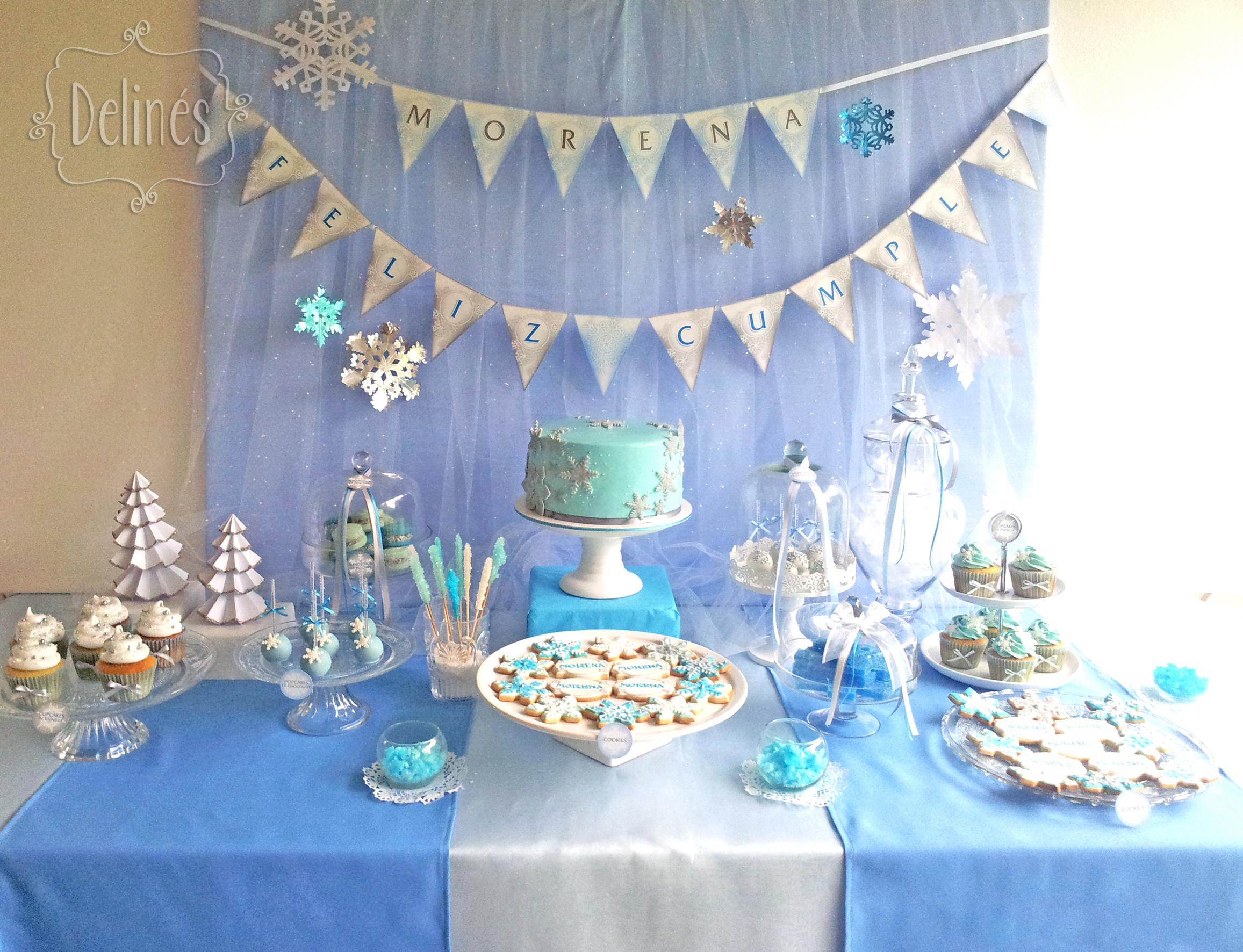 Un evento helado y m gico delin s for Backdrop para mesa de dulces