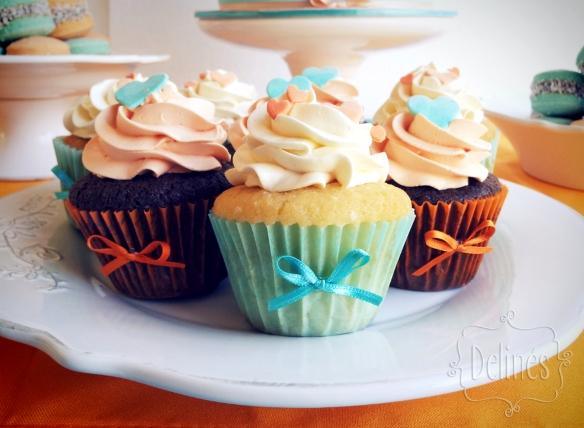 corazones aqua y naranja cupcakes frente