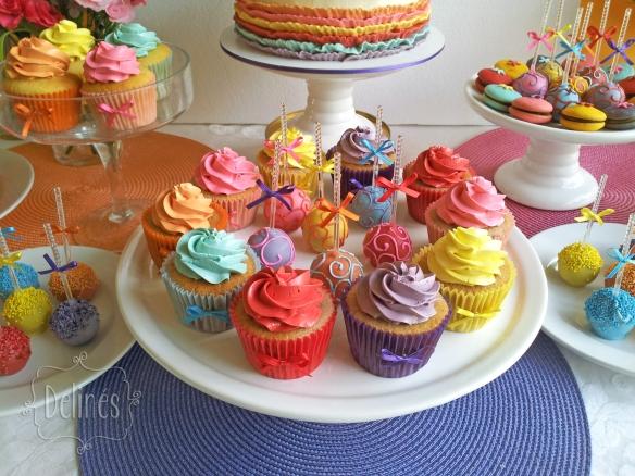 multicolor cupcakes y popcakes