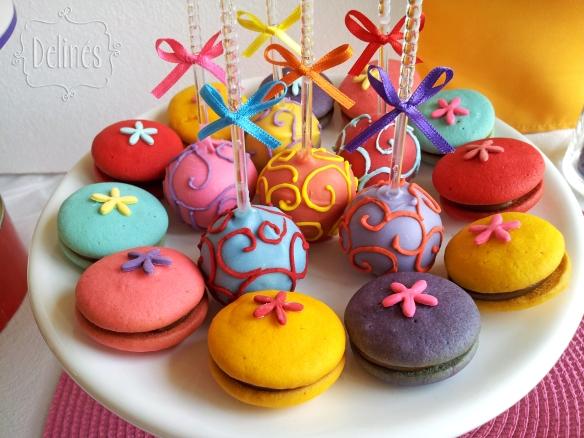 multicolor whoopies y popcakes