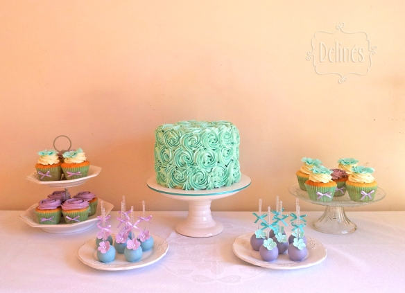 romantico en aqua y lila mesa dulce