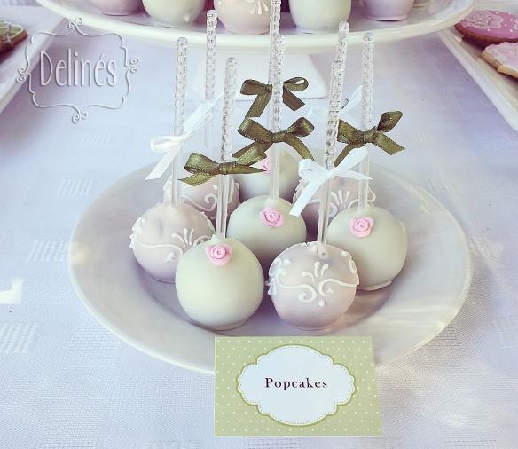 Bautismo delicado y con flores popcakes (1)