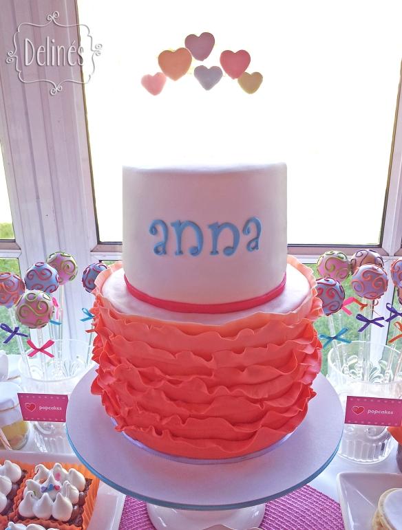 Corazones coloridos torta